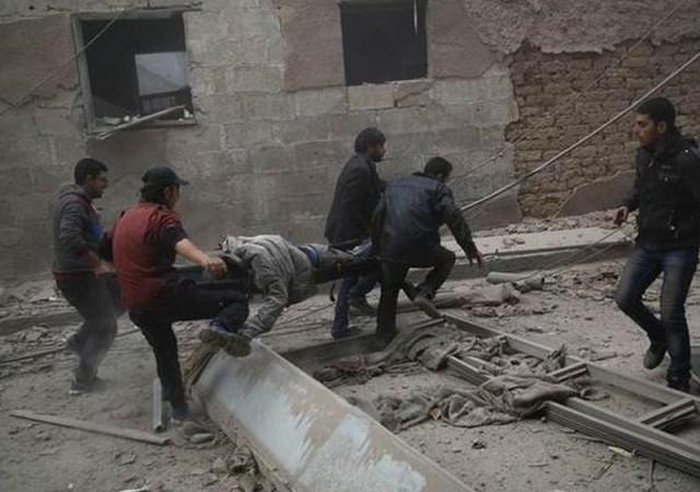Suriye'de yine siviller vuruldu: En az 28 ölü