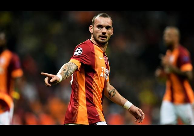 'Sneijder dahisine dikkat!'