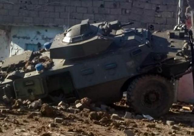 Diyarbakır'da polis aracına saldırı: 3 şehit