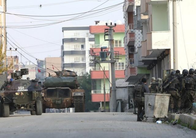 Şırnak'ta 400 PKK'lı kıstırıldı...