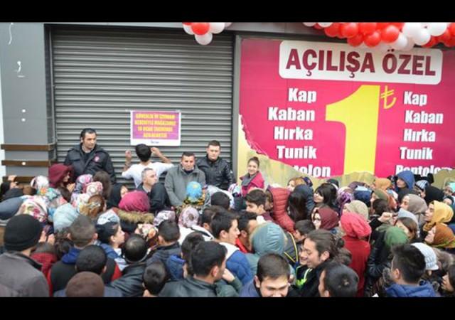 Konya'da 1 TL izdihamı