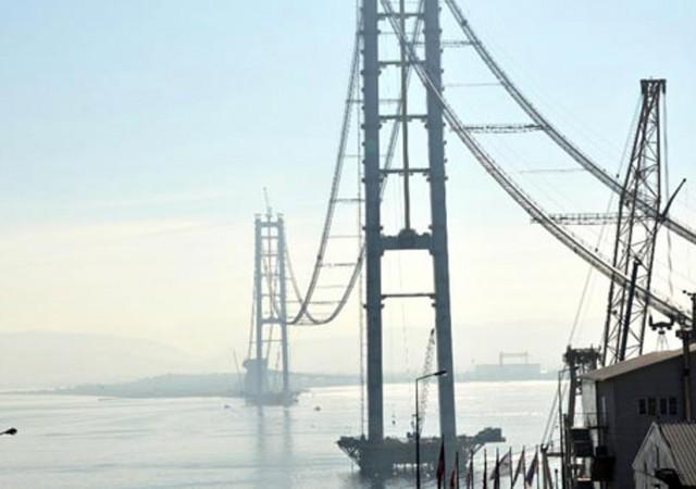 Körfez Köprüsü'nü havadan inceledi