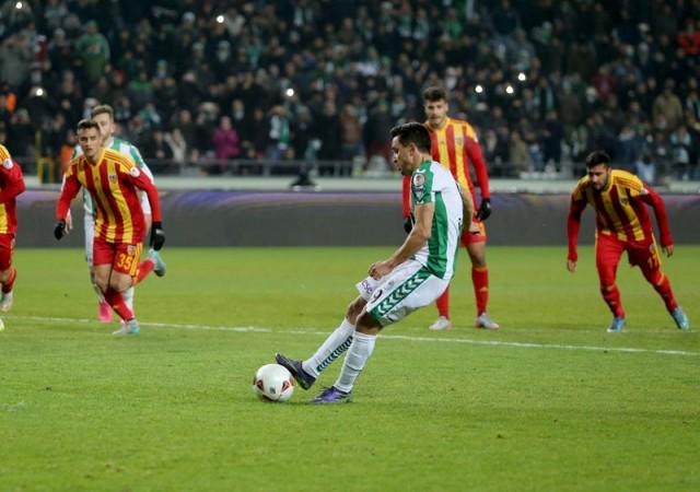 Süper Lig'de hakemler 41 kez penaltı noktasına gitti