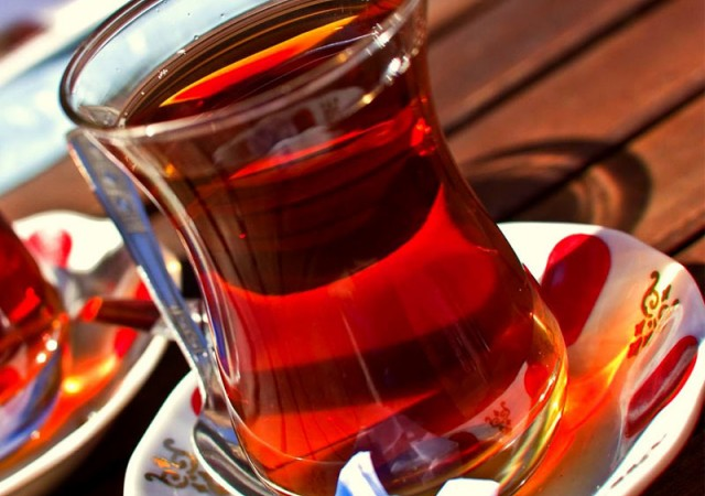 Günde 2 bardak siyah çay kanseri önlüyor