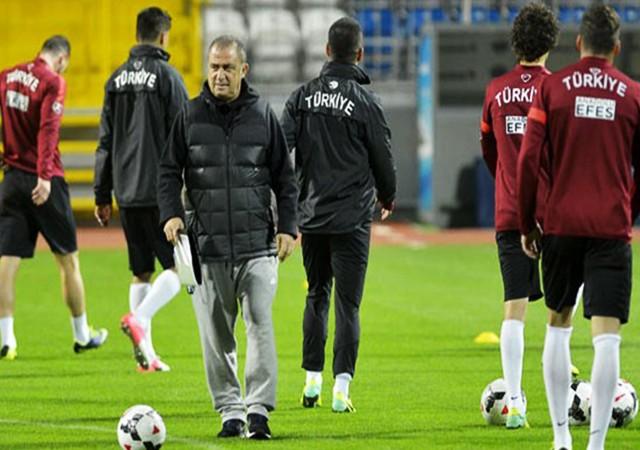 Fatih Terim'den futbolculara görülmemiş tavır!