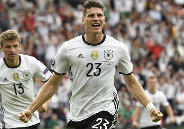 Gomez Almanya'yı uçurdu!