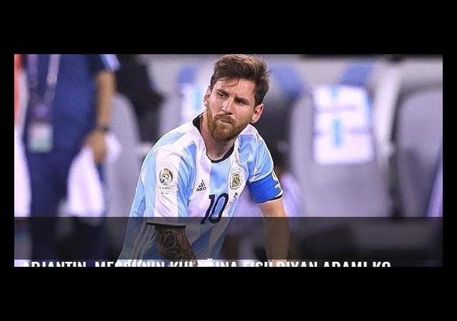 Arjantin, Messi'nin kulağına fısıldıyan adamı konuşuyor