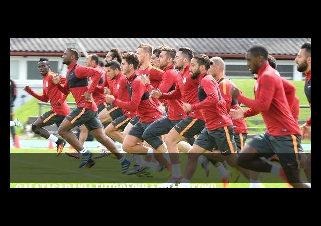 Galatasaraylı futbolculardan tepki!