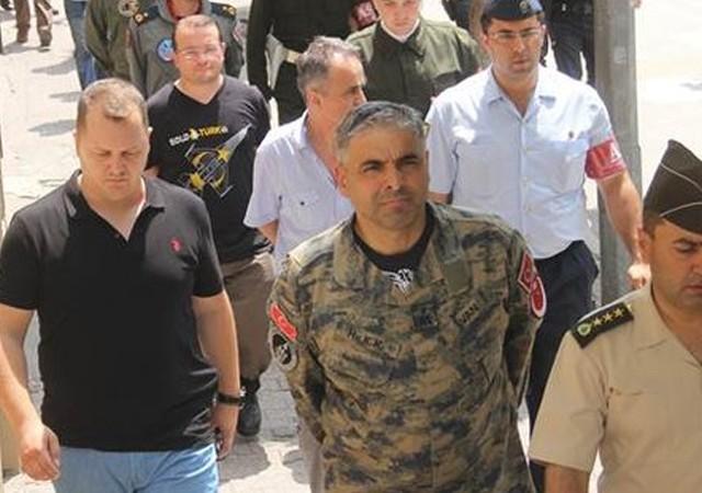 İncirlik Üssü'nün Türk komutanı tutuklandı