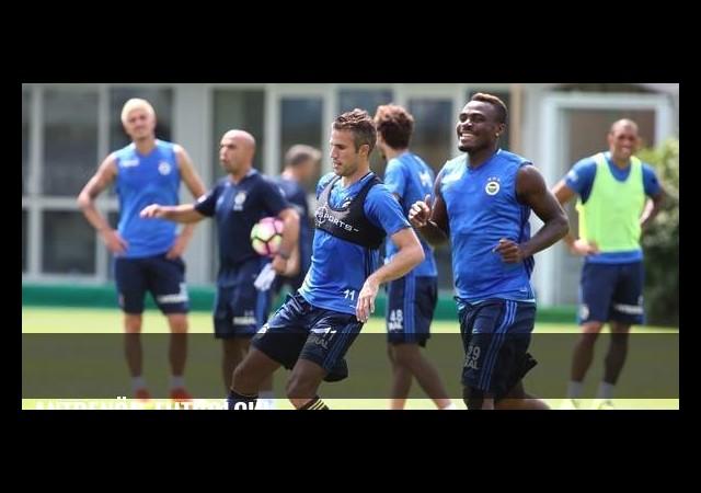 Antrenör-futbolcu!