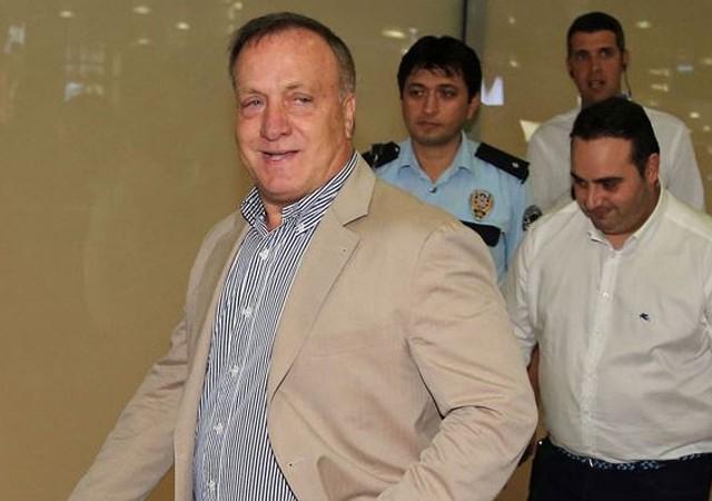 Hollandalı gazeteci Advocaat'in Fenerbahçe kararını yorumladı