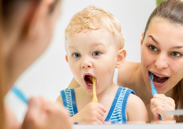 Annelere çocuklarının diş bakımı için 4 önemli tavsiye