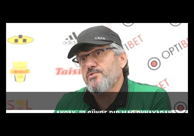Mustafa Reşit Akçay: '3 günde bir maç oynayarak...'