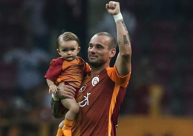 Galatasaray'dan Sneijder'e yeni sözleşme teklifi!