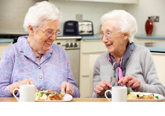 Yaşlılarda beslenme nasıl olmalı?