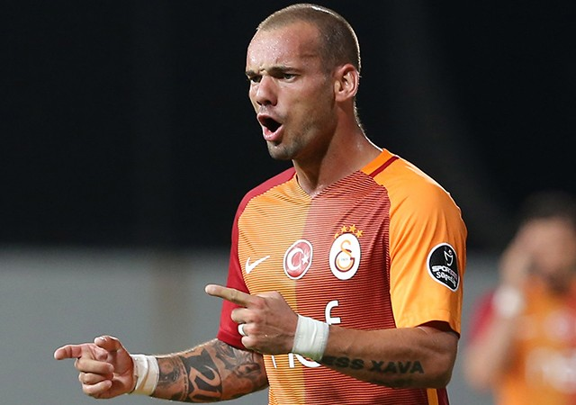 Wesley Sneijder kadro dışı bırakıldı...