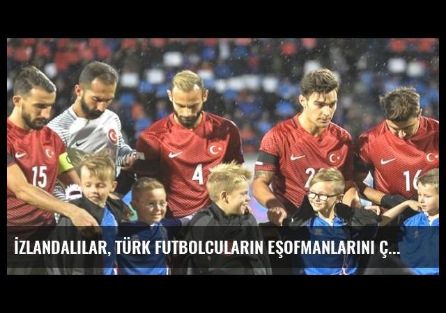 İzlandalılar, Türk Futbolcuların Eşofmanlarını Çocuklara Vermesini Takdirle Karşıladı