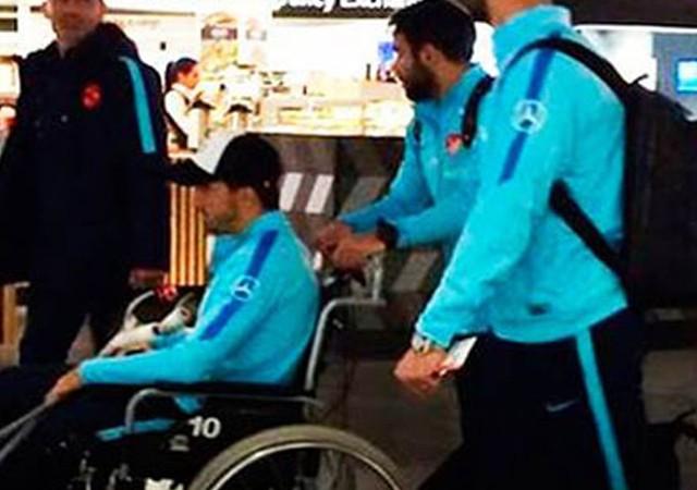 Ozan Tufan tekerlekli sandalyede görüntülendi!