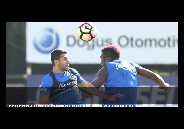 Fenerbahçeli futbolcular şut çalışması yaptı