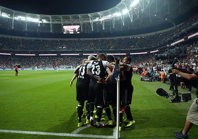 Beşiktaş, taraftarına kavuşuyor