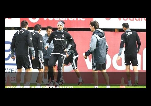 Beşiktaş, Caner'siz çalıştı