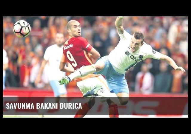 Savunma bakanı Durica