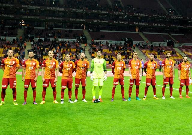 Galatasaray kalecisi Cenk Gönen'den büyük gaf!