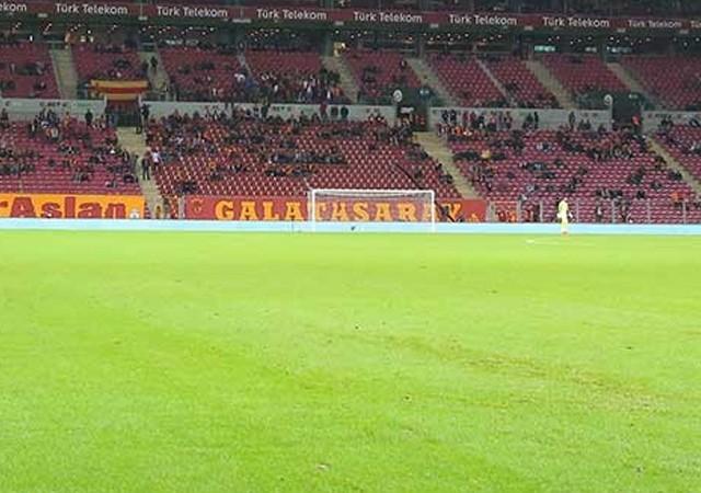 Türk Telekom Arena boş kaldı