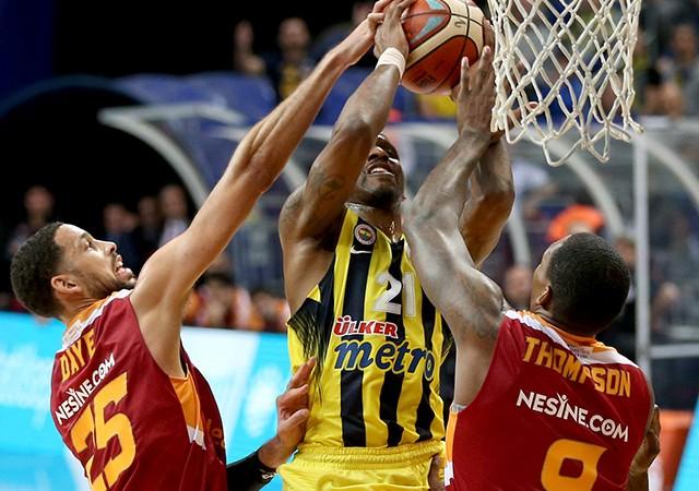 Fenerbahçe, Galatasaray Odeabank'ı 92-74 mağlup etti!