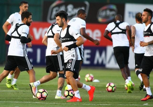 Beşiktaş'a Rhodolfo'dan kötü haber!