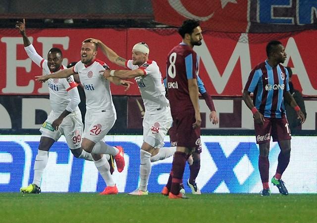 Trabzonspor kendi evinde kaybetti!