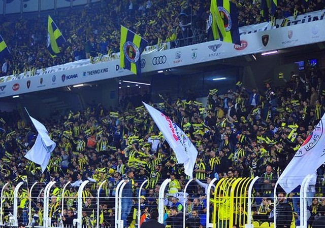 Fenerbahçe-Galatasaray maçında açılan pankarta suç duyursu
