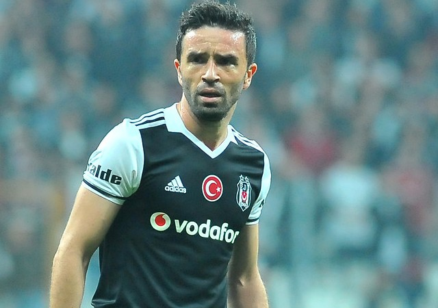 Derbi öncesi Beşiktaş'ta flaş Gökhan Gönül kararı!