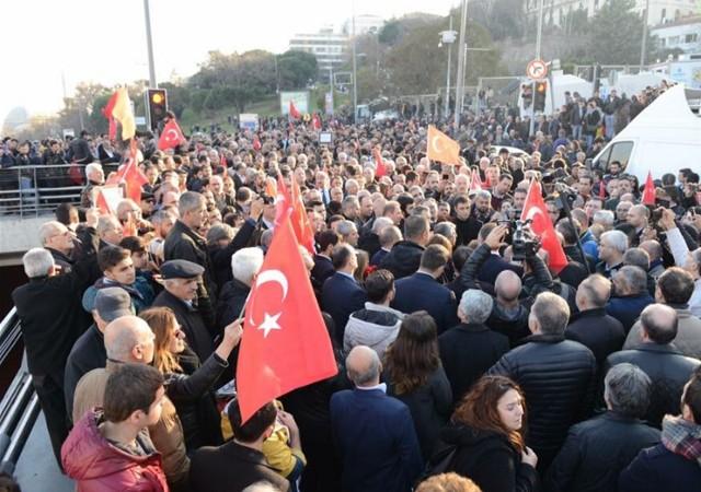 İstanbul'daki saldırıyı protesto