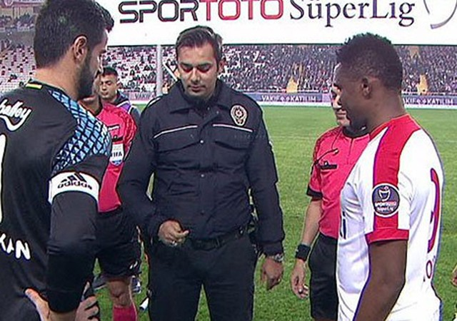 Antalya'da para atışını polis yaptı!