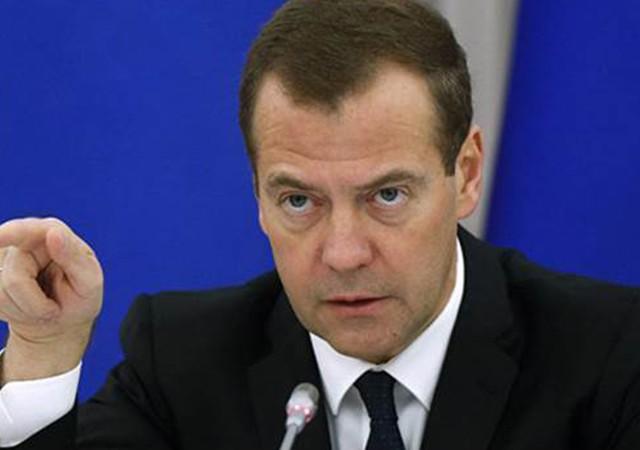 Medvedev'den sert tepki! Sadece Rus Büyükelçisine ateş etmediler...