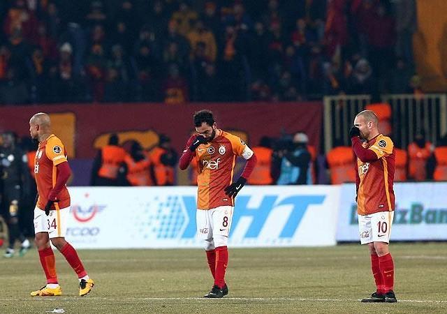 Galatasaray'dan zirve yarışında kritik kayıplar