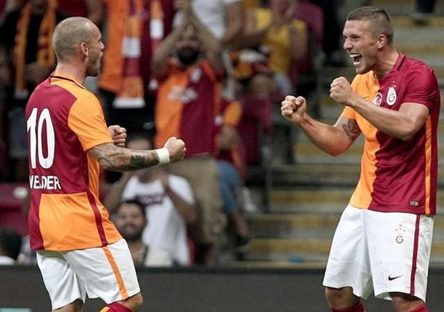 Galatasaray'da Sneijder ve Podolski için şok iddia