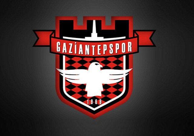 Gaziantepspor kafilesini taşıyan otobüs kaza yaptı!