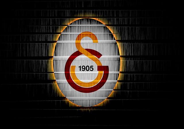 Galatasaraylı basketbolcu Austin Daye Reina saldırısından son anda kurtulmuş