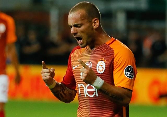 Sneijder'in gözü ABD'de!