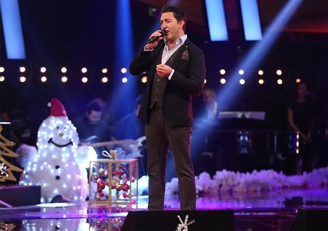 Emre Kınay şarkıcı oluyor!