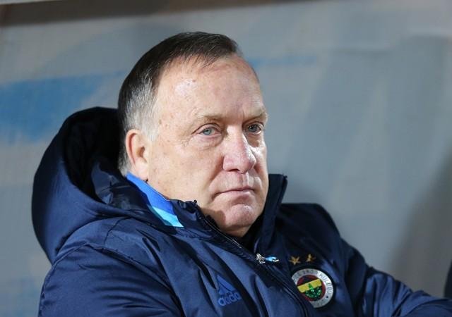 Fenerbahçe'den Advocaat'a süresiz kontrat
