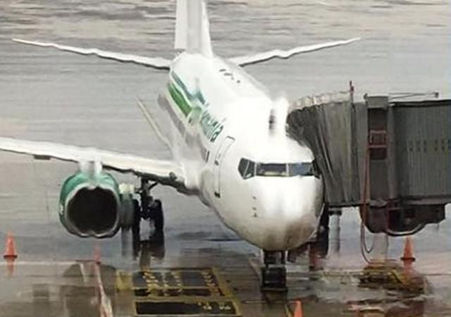 Antalya'ya giden takım uçağına şimşek çarptı!