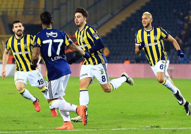 Fenerbahçe liderin rütbesini söktü!