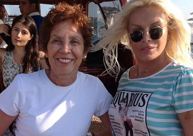 Ünlü yönetmen Ayşe Ersayın hayatını kaybetti