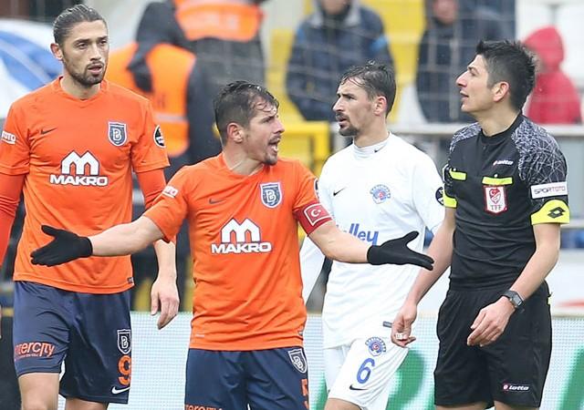 Medipol Başakşehir ağır yaralı!