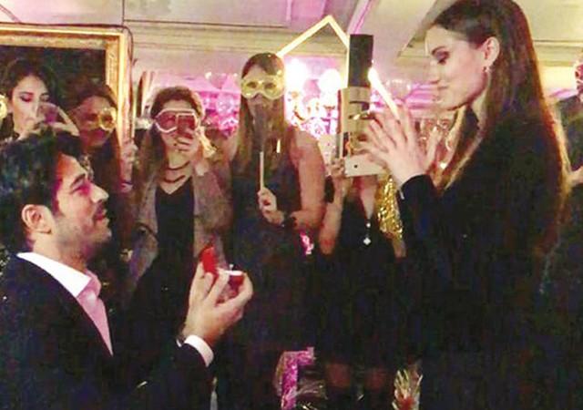 Burak Özçivit, Fahriye Evcen çifti nişanlandı