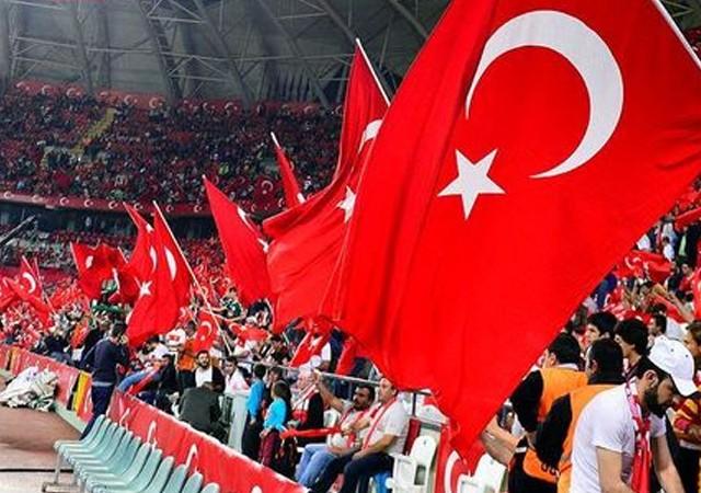 Türkiye-Finalandiya Dünya Kupası eleme karşılaşması canlı izle