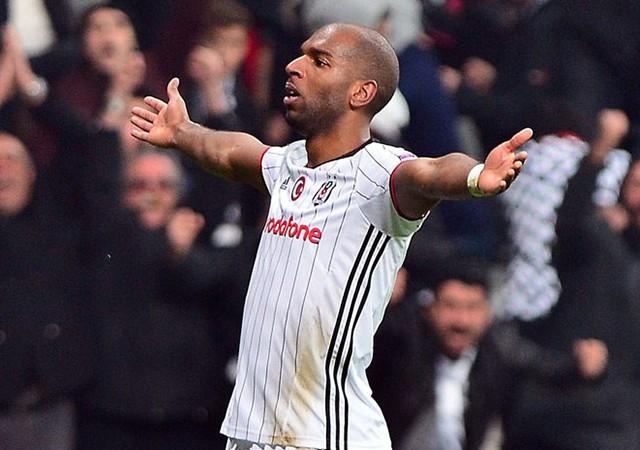 Ryan Babel Beşiktaş'a hayat veriyor